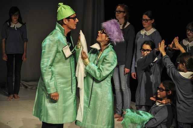 Die Eltern- Uraufführung Foto:© R. Schwarz